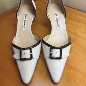 Beautiful low heel AUTHENTIC Manolo Blahnik size 6